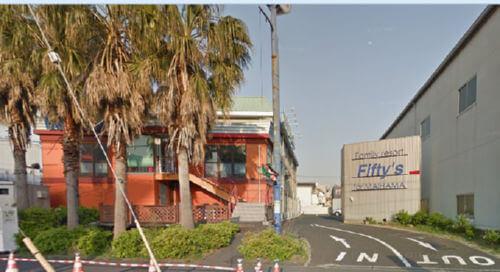 googleマップのストリートビューの画像では、ホテルの外観はこんな感じ
