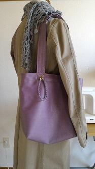 これでバッチリ。春用コートも出してきたし、先日作ったマフラーと合わせてみたり。